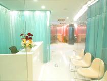 開放感と清潔感のあるオフィス