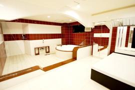 床暖房付きの綺麗なお風呂