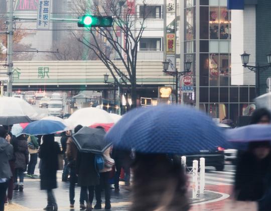 梅雨どきに稼ぎたいならデリヘルの求人バイトが狙い目!